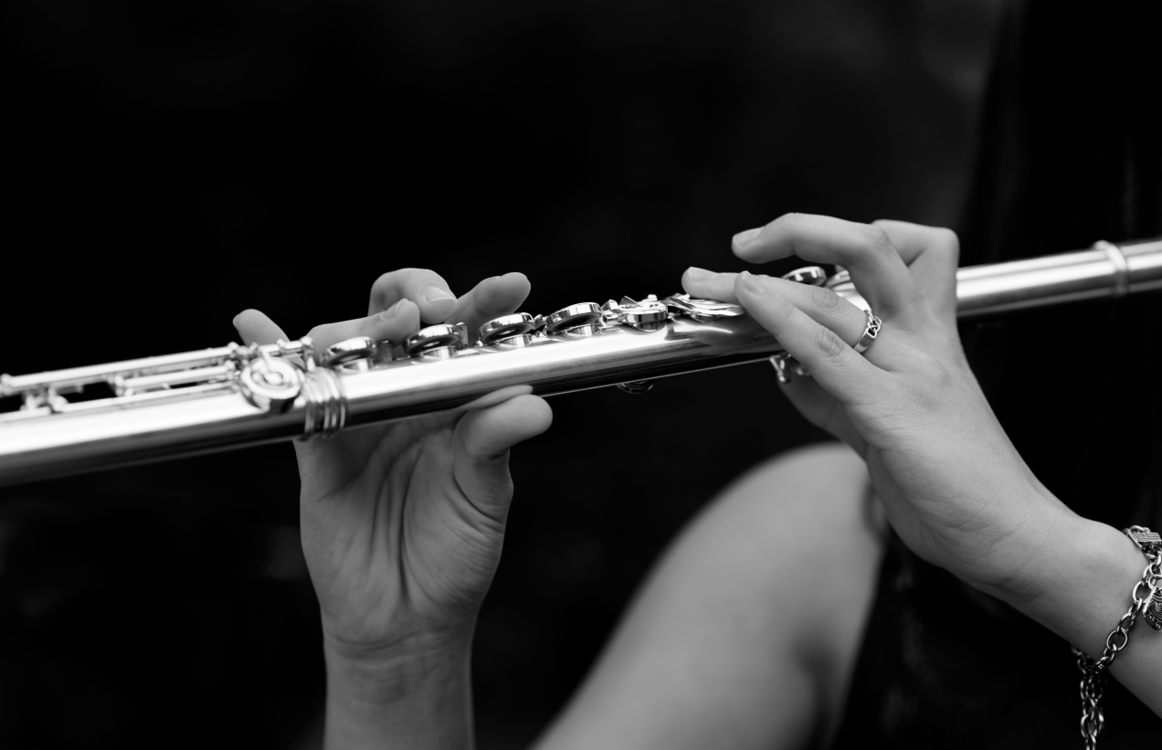 flute player-1